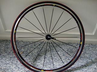 Mavic-Kysrium-Elite-wheelset-and-S-Works-Tires-(10)