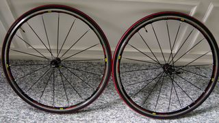 Mavic-Kysrium-Elite-wheelset-and-S-Works-Tires-(2)